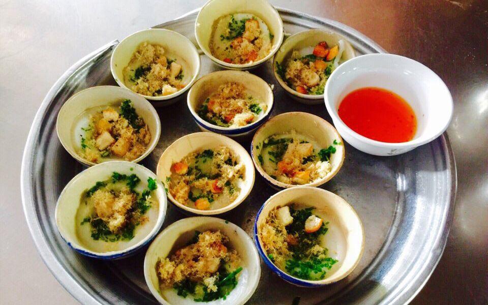 Loại bánh đặc sản ăn rồi vẫn muốn ăn lại níu chân du khách ở Phú Yên - Ảnh 1.