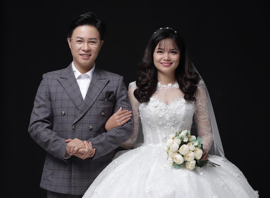 MC Lê Anh và cuộc hôn nhân không mặn, không nhạt bên vợ là học trò - Ảnh 4.