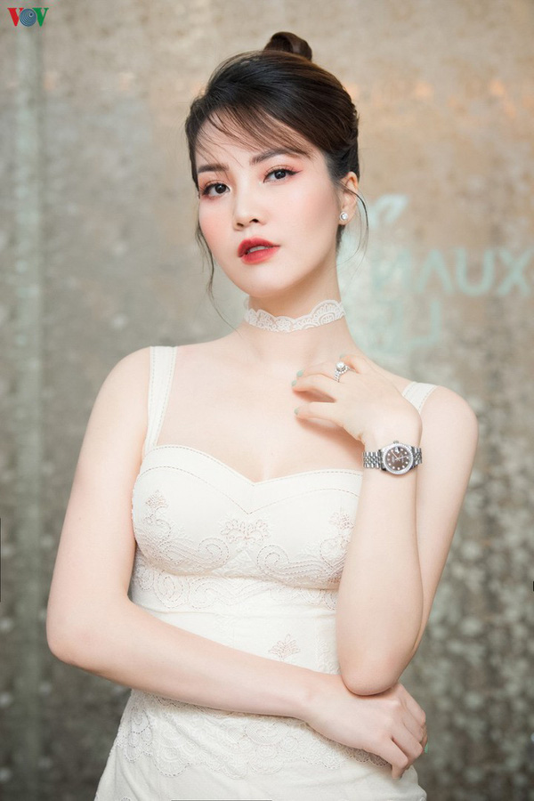 Tuổi 35, Á hậu Thụy Vân, BTV Chuyển động 24h bình yên trong cuộc hôn nhân không phô diễn - Ảnh 3.
