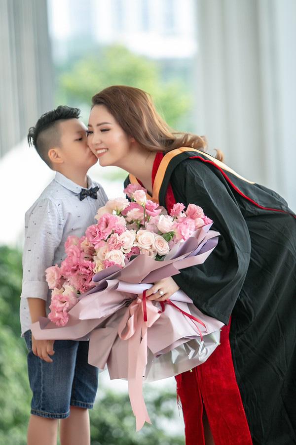 Tuổi 35, Á hậu Thụy Vân, BTV Chuyển động 24h bình yên trong cuộc hôn nhân không phô diễn - Ảnh 4.