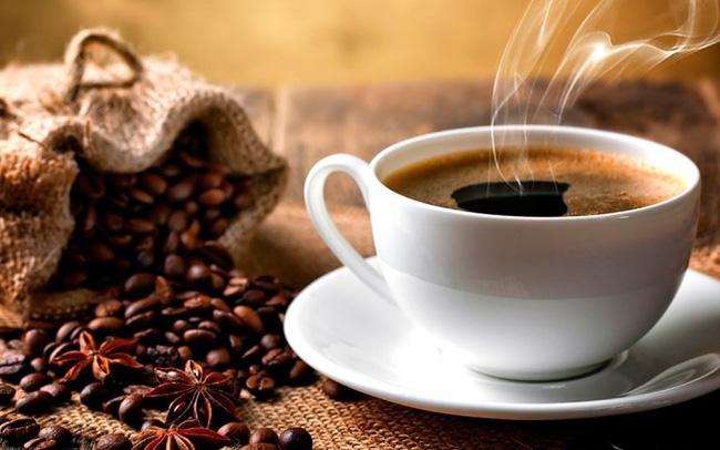 5 cách uống cà phê cực hại sức khỏe và dấu hiệu cảnh báo bạn đang nạp quá nhiều cà phê - Ảnh 2.