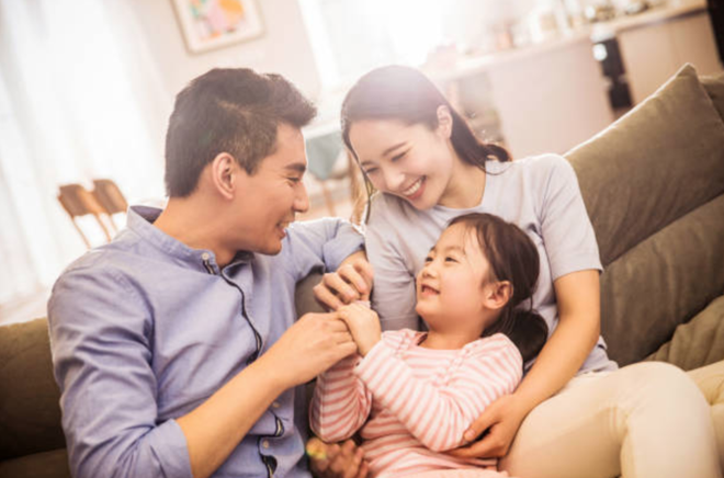 Khi trẻ nóng nảy, cha mẹ chỉ cần thực hiện 8 bước sau sẽ kiềm chế được trẻ - Ảnh 1.