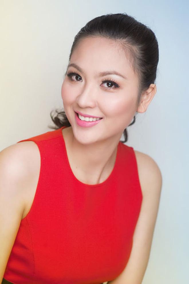 Biệt tăm khỏi showbiz sau khi chồng đi tù, cuộc sống của cô lọ lem bán bánh canh hóa Hoa hậu Việt Nam 2000 giờ ra sao? - Ảnh 14.