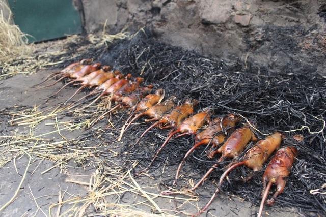 Hết hồn với đặc sản thịt chuột của người Hà Nội, nhìn khiếp đảm nhưng giá lại không hề rẻ - Ảnh 4.