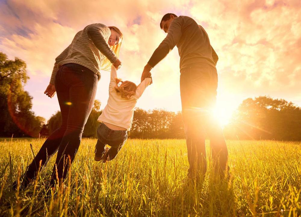 Gặp lại vợ cũ trong bệnh viện sau 3 năm ly hôn, người đàn ông bật khóc, quỳ xuống xin tha thứ khi nghe 1 câu nói của con gái - Ảnh 4.