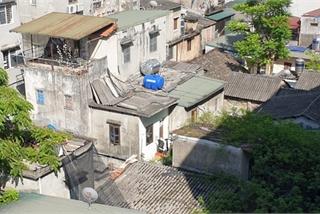 Cận cảnh nhà trọ chỉ vài mét vuông nóng hầm hập giữa Thủ đô, người thuê ám ảnh đến cả giấc ngủ