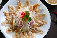 Món gỏi cá hút khách nhất Quy Nhơn được ví như 'sushi' phiên bản Việt