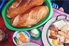 Bánh mì chảo tồn tại hơn 50 năm hấp dẫn bao thế hệ thực khách