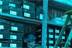 Thu giữ 2.226 đôi giày nghi giả mạo nhãn hiệu Nike, Adidas, Converse…