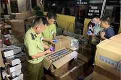 Thu trên 2.100  mỹ phẩm và 2.700 bánh ngọt do Trung Quốc sản xuất