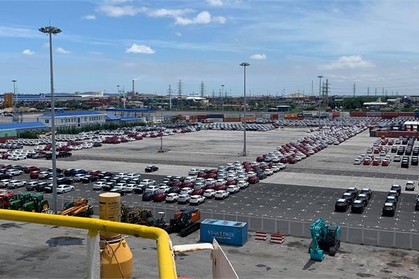 Thị trường xe trong nước: Kích cầu quyết liệt, vẫn giậm chân tại chỗ