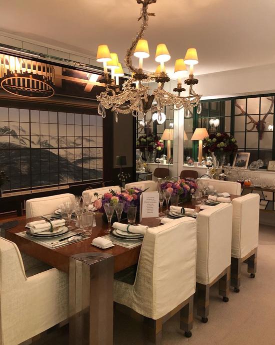 Không gian xa hoa trong căn nhà của Lưu Gia Linh.