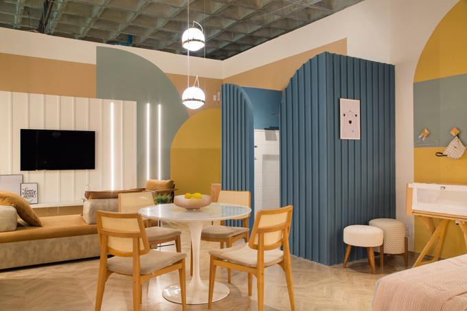 Nhóm kiến trúc sư nghĩ ra giải pháp thiết kế gồm các mảng tường, các khối họa tiết có đường cong, bắt trend trong thiết kế kiến trúc hiện đại.