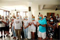 Tourists express thanks to Hoi An doctors after quarantine time