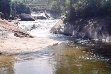 Woman and three children drown in Hoa Binh stream
