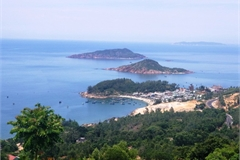 Three tourists drown in Quy Nhon beach