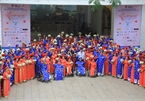 100 couples join group wedding in HCM City