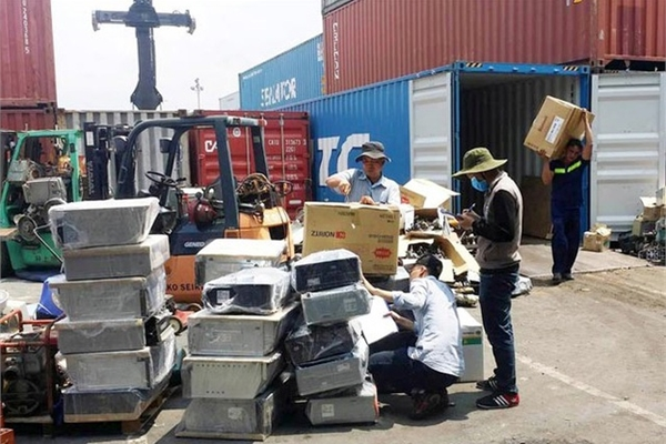 Over 1,000 scrap containers to be re-exported from HCM City