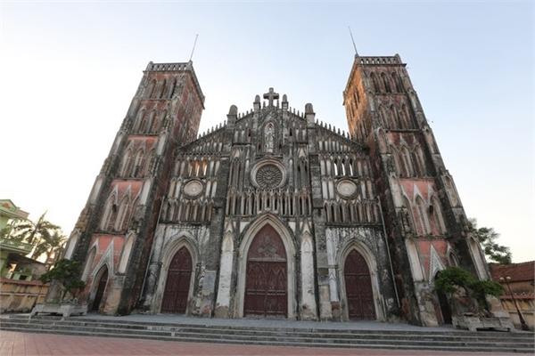 So Kien Basilica attracts visitors for East-West fusion architectural style
