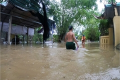 Floods, heavy rain ravage central region