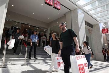 Giant internaitonal brands prefer fashion-conscious HCM City