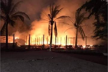 Fire ravages beach restaurants in Hoi An