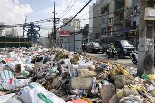 Illegal dumping remains rampant in Hanoi