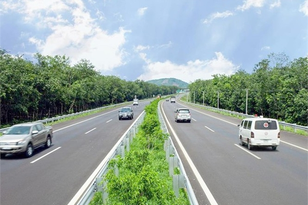 Sluggish site clearance slows North-South Expressway project
