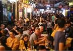 Hanoi tourist street ignores coronavirus fears