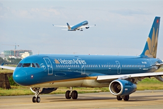 Vietnam Airlines wants to buy 50 more airplanes despite difficulties