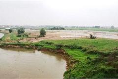 Hanoi announces warnings over suburban erosion