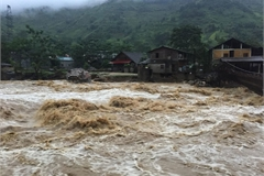 Flash flood ravages Sapa