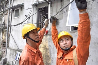 Vietnam faces electricity shortage amid heat wave