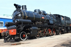 Hue-Danang steam train project for tourism development approved