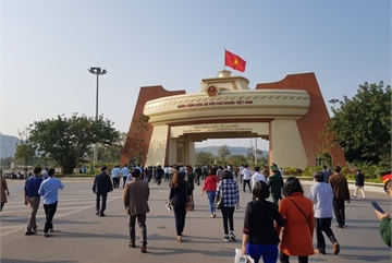 Hundreds of Lao students to return Vietnam to study