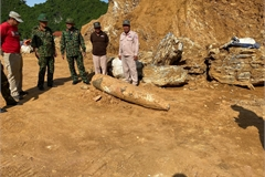 Unexploded 450-kilo bomb unearthed in Quang Binh