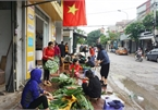 Nghe An people donate chung cakes to flood victims
