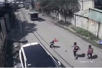 Dong Nai authorities demand explanation after pupils fall from running bus