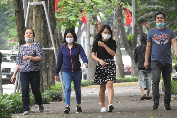Hanoi ban shoppers without face masks at shopping centres