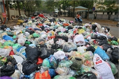Waste remains a problem in Hanoi
