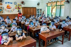 Public question wearing of face shields at school