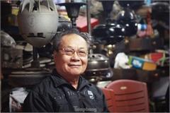 Hanoi family preserves vintage fans