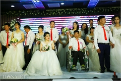 Mass wedding for people with disabilities held in Hanoi