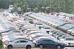 Car prices predicted to fall until Tet Holiday