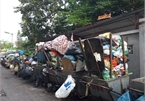 Hanoi rubbish dispute up as families await relocation
