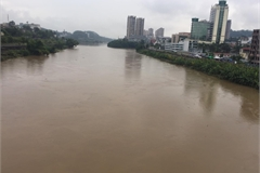 Red River water level rises as Chinese dam opens floodgates