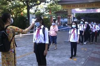 Da Nang students return to schools under strict regulations