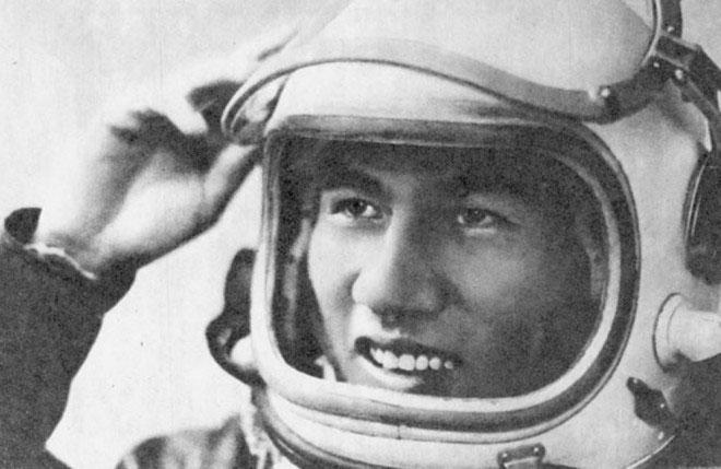 Phi hành gia Phạm Tuân trong thời gian ở Liên Xô và luyện tập trước giờ G.