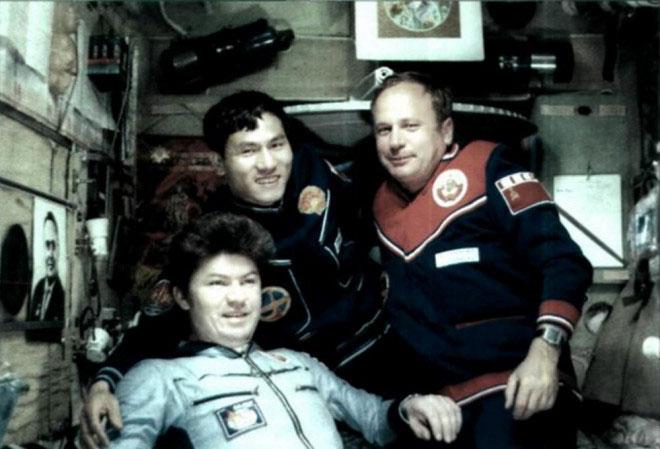 Các phi hành gia trên trạm vũ trụ