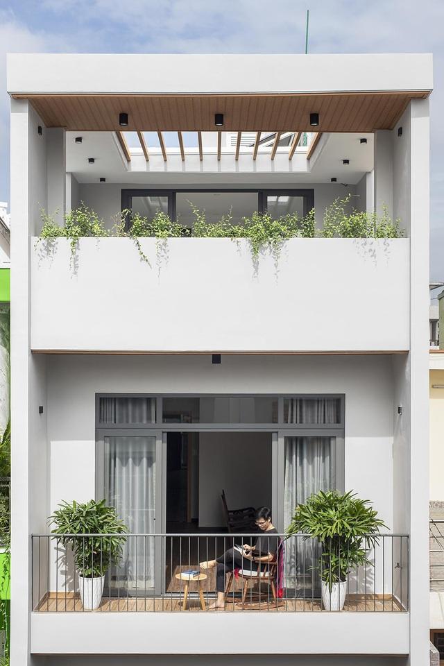 Nhà trong hẻm lột xác thành không gian sống vạn người mê ở Sài Gòn - Hình 12